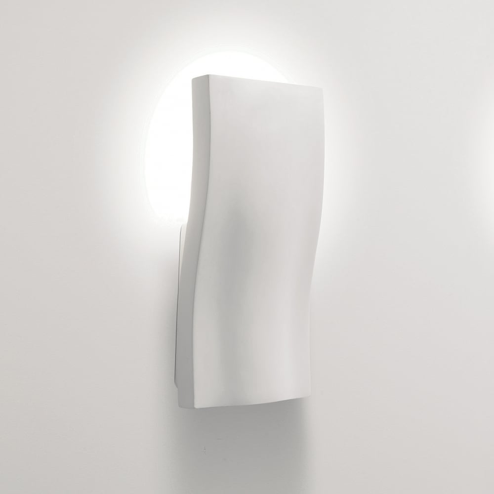 s-light-contemporary-wall-light-switched-p14237-13628_image